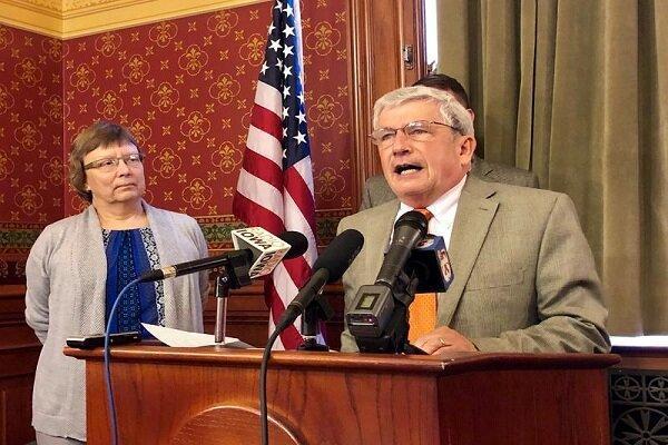 جدایی قدیمی ترین نماینده آیووا از حزب جمهوریخواه
