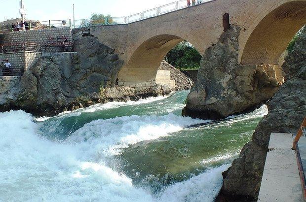 چهار باغ گردشگری در استان چهارمحال و بختیاری افتتاح شد