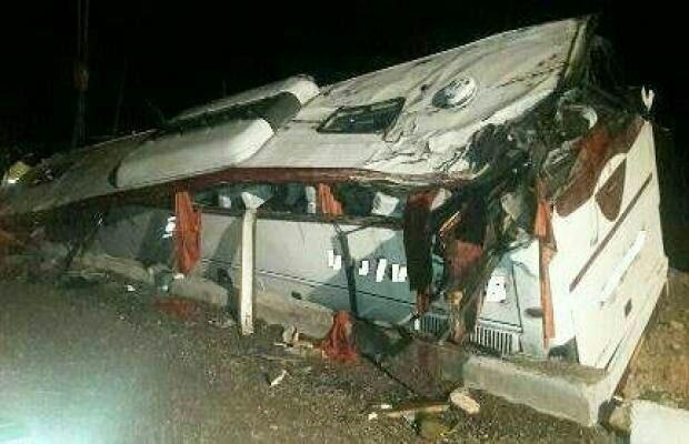38 مصدوم و کشته بر اثر واژگونی اتوبوس