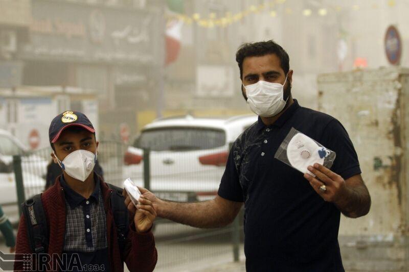 خبرنگاران داروخانه ها تا اطلاع ثانوی مجاز به خرید ماسک نیستند
