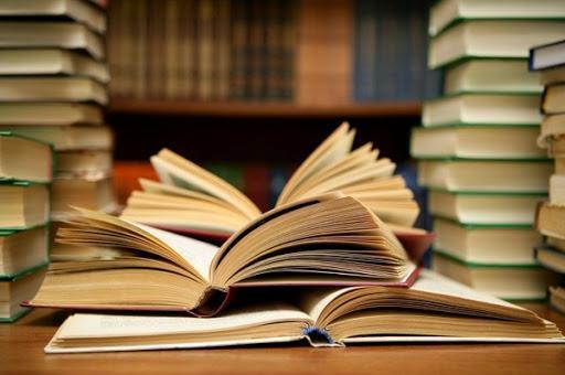 اهدای یک هزار جلد کتاب به اداره کل تعاون، کار و رفاه اجتماعی ایلام