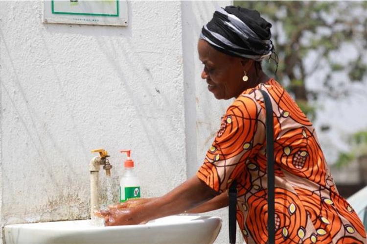 تقسیم امکانات؛ ونتیلاتور برای اروپا و صابون برای آفریقا!