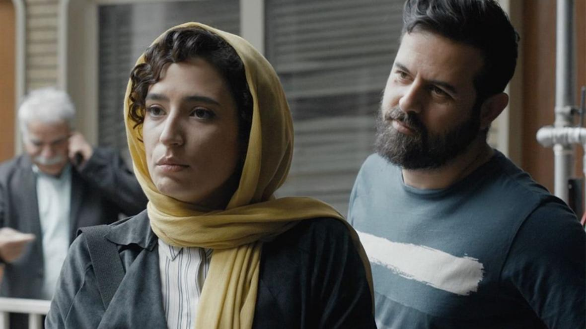 فیلم طلا، روایت روباه های مکار و پینوکیو های ساده شهرستان