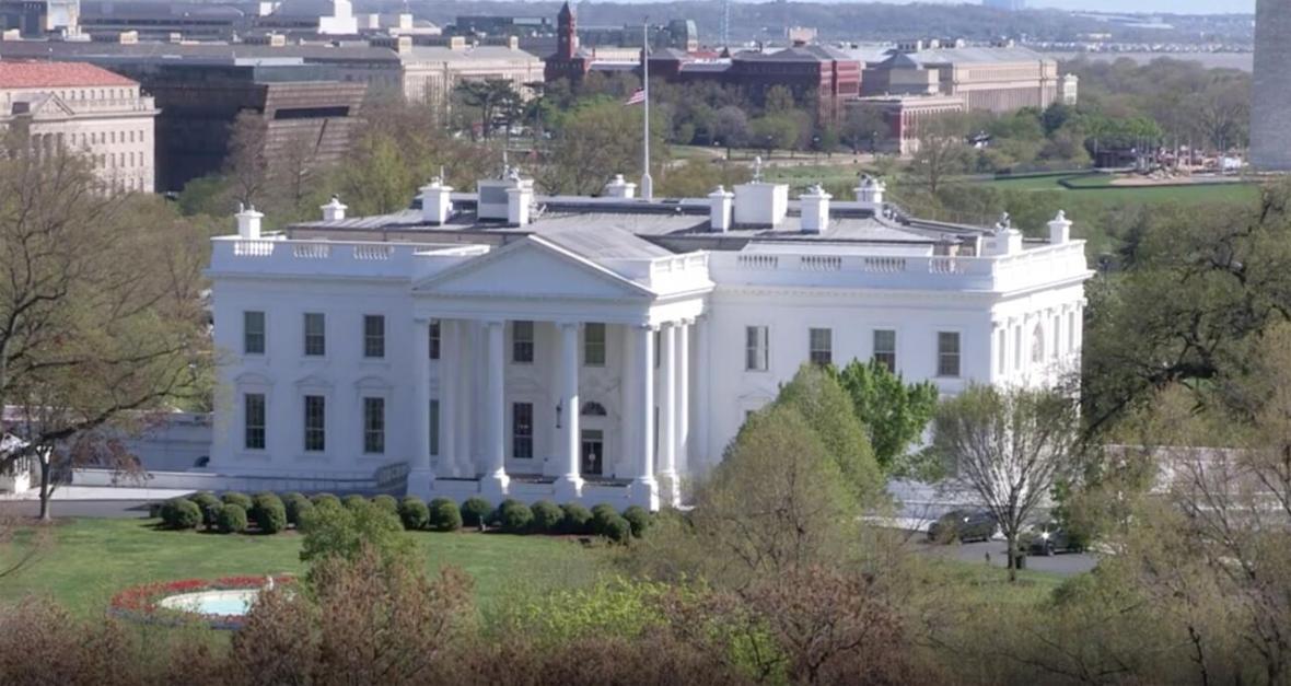 کاخ سفید در پی گسترش اعتراضات به مرگ یک سیاهپوست بسته شد