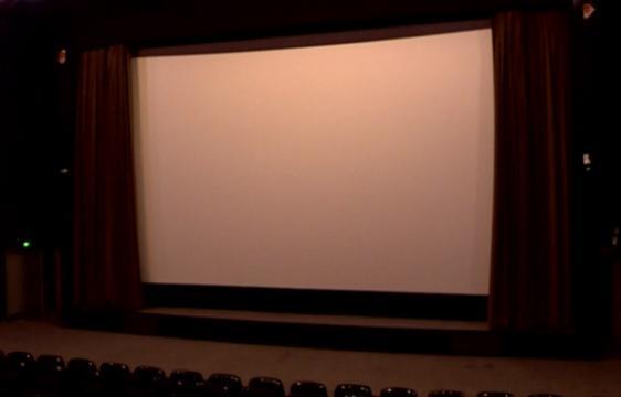 تماشای فیلم با رعایت دستورالعمل های بهداشتی