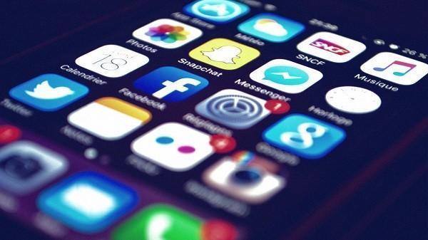 محدودیت دسترسی کاربران به شبکه های اجتماعی