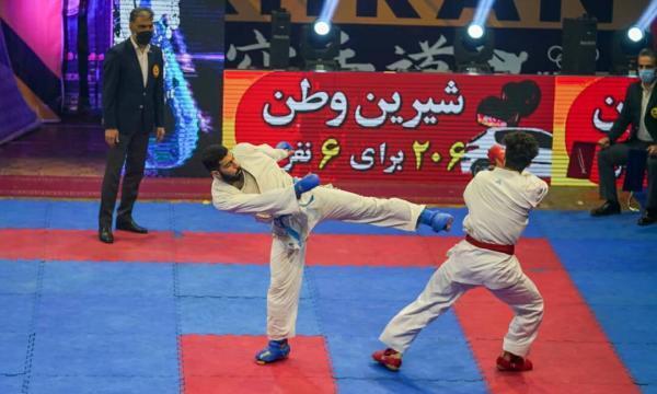 خبرنگاران قهرمانی صنعت مس رفسنجان در لیگ برتر کاراته