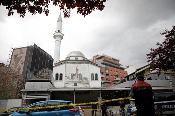 حمله با چاقو به نمازگزاران در آلبانی، چند نفر زخمی شدند
