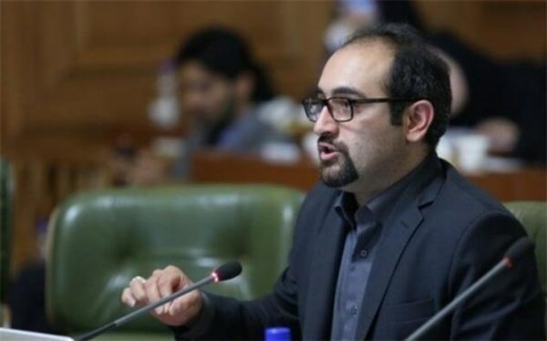 شهرداری تهران به مطالبه کارکنان درباره جذب و تبدیل شرایط توجه کند