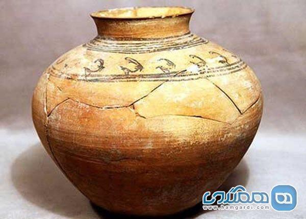 اشیایی با قدمت پیش از تاریخ به یگان حفاظت کرمان اهدا شدند