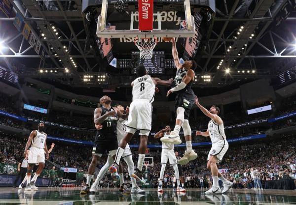 لیگ NBA، گام بلند فینیکس به سوی قهرمانی